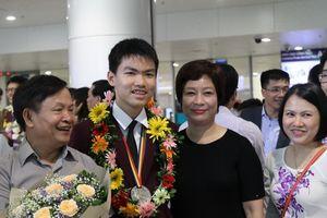 Nam sinh trường Ams xuất sắc đoạt HCB Olympic Toán quốc tế