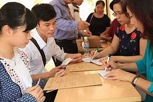 Hai trường ĐH công bố điểm sàn 12,13 đã điều chỉnh tăng lên