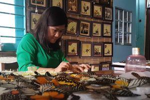 Người phụ nữ nuôi bướm để vẽ tranh ở Lâm Đồng