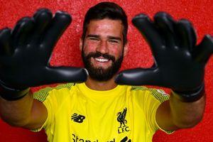 Tân binh đắt giá của Liverpool tiết lộ tin nhắn mời mọc từ Salah