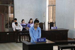 Đắk Lắk: 'Yêu' bé gái 12 tuổi, nam thanh niên lãnh án