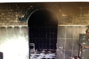 Trà Vinh: Nam thanh niên bị chết cháy do mang xăng đốt nhà người yêu