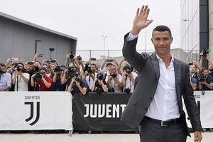 Bán áo đấu Ronaldo trong 24 giờ, Juventus thu về gần một nửa tiền chuyển nhượng