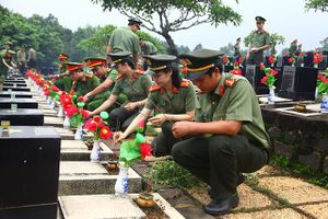 Ra quân Chủ nhật xanh 'Vì một Việt Nam xanh'