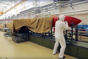 Chùm ảnh xâm nhập vào nhà máy chế tạo siêu tên lửa cực tối tân của Nga
