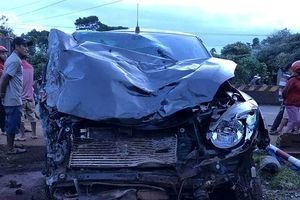 Đắk Lắk: Ô tô 'điên' tông liên hoàn trên quốc lộ, 2 người chết