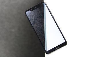 Chi tiết Nokia X5 vừa về VN - giống iPhone X, giá từ 3 triệu đồng