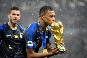 Mbappe gạt Messi, đặt Ronaldo và chính mình làm ứng viên Quả bóng vàng
