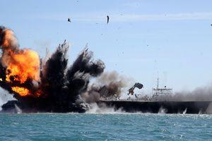 Iran nhắn Mỹ: 'Đừng dại nghịch đuôi sư tử!'