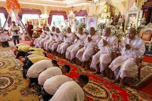 Đội bóng nhí Thái Lan sắp xuống tóc, vào chùa tu tập