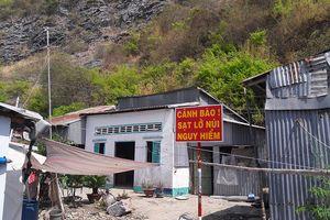 Sống thấp thỏm dưới chân núi Ba Hòn khi đá 3 tấn lăn vào nhà dân