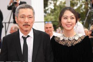 Đạo diễn Hàn kiên quyết ly hôn vợ để cưới tình trẻ