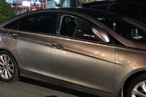 Truy tìm đối tượng táo tợn đập cửa ô tô trước siêu thị trộm tài sản
