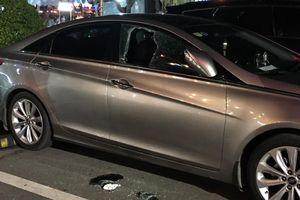 Bình Dương: Táo tợn đập cửa xe ô tô trước siêu thị trộm hơn 35 triệu đồng