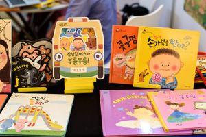 Giới xuất bản Việt - Hàn giao lưu tại Hội sách bản quyền Hàn Quốc