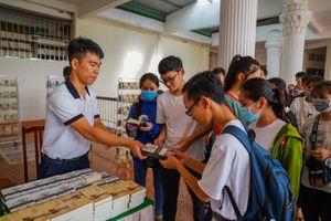 Sách quý đổi đời đến với thanh niên Đất Mũi Cà Mau