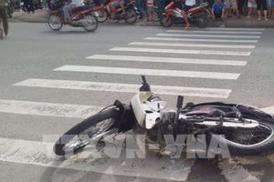 Ô tô 4 chỗ mất lái tông vào xe máy, 1 người tử vong