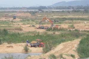 Phú Yên: Ồ ạt khai thác cát có phép và trái phép trên sông Đà Rằng tại xã Hòa Thành