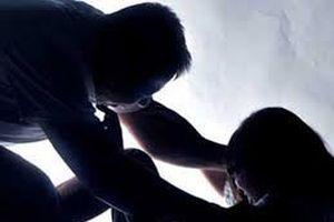 Nam điều dưỡng 25 tuổi hiếp dâm nữ bệnh nhân 57 tuổi đang hôn mê