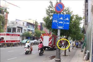 Clip: Bất chấp nguy hiểm, người đàn ông 'tạt đầu' xe cứu hỏa