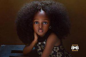Dân mạng 'phát cuồng' trước vẻ đẹp lạ của 'bé gái xinh nhất thế giới'