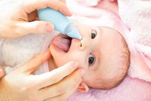 Những lưu ý khi sử dụng dụng cụ hút mũi cho trẻ