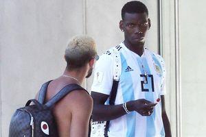 Paul Pogba gây sốc khi mặc áo tuyển Argentina nhưng thông điệp là về lại Juventus?