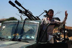 Quân đội Syria đánh khủng bố tan tác, thượng cờ trên ngã tư biên giới Quneitra