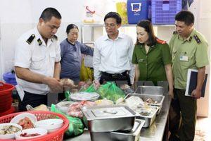 Xử phạt hơn 257 triệu đồng với 7 cơ sở vi phạm về an toàn thực phẩm