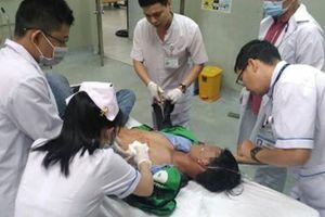 Sau cuộc nhậu, nam thanh niên bị nhân viên quán đâm thủng phổi