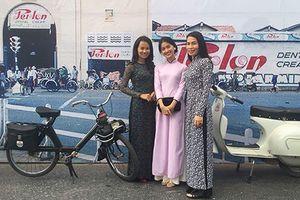 Dàn ôtô, xe máy cổ 'siêu độc' tụ hội ở Sài Gòn