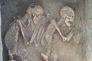 Phát hiện hài cốt đôi tình nhân chôn cạnh nhau tựa 'Romeo và Juliet' thời cổ đại
