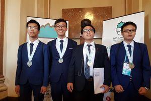 Cả 4 thí sinh Việt Nam thi Olympic Hóa học quốc tế đều dành huy chương