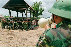 Chuyện 50 anh lính 'cõng' cả bản làng ở Tây Nguyên