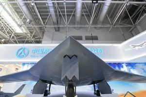 Mẫu máy bay không người lái Trung Quốc có sải cánh lớn hơn cả tiêm kích