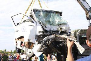 Tin mới nhất vụ xe rước dâu gặp nạn: Nhiều nạn nhân là vợ chồng, con trong một gia đình