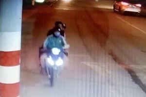 Camera ghi lại hình ảnh tài xế chở 2 kẻ giết người cướp xe ở Bình Dương