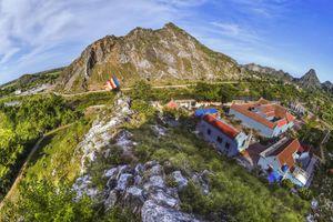 Ninh Bình dừng hoạt động mỏ đá đe dọa di tích chùa Hàn Sơn