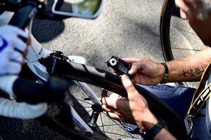 Tại sao lốp của các loại xe đạp tham gia giải Tour de France đang ngày càng lớn hơn và áp suất thấp hơn?