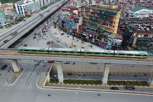 Cận cảnh đoàn tàu chạy thử tuyến đường sắt trên cao Cát Linh - Hà Đông
