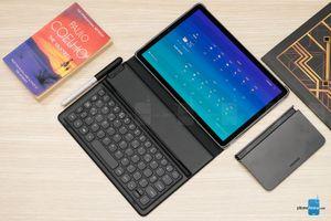Samsung ra mắt máy tính bảng Galaxy Tab S4 và Galaxy Tab A 10.5: viền nhỏ, chip mạnh và giá đắt!