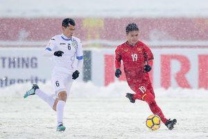 HLV Olympic Uzbekistan ấn tượng mạnh với Quang Hải