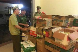 Chặn kịp thời gần 3.400 sản phẩm thực phẩm đóng gói nhập lậu
