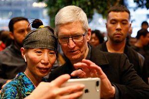 CEO Apple nói gì sau khi tập đoàn cán mốc giá trị 1.000 tỷ USD?
