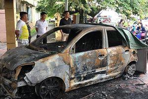 Truy bắt nghi phạm đốt ô tô của cảnh sát giao thông