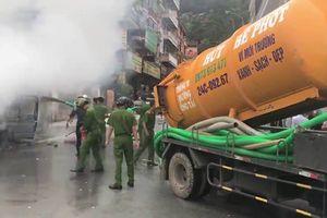 Sa Pa bốc mùi cả khu phố vì dùng xe hút bể phốt để chữa cháy