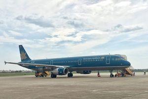 Máy bay Vietnam Airlines lại bị chiếu laser vào khoang lái