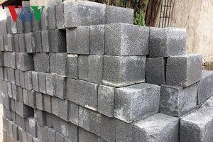 Dùng vật liệu không nung, nhiều công trình công ở Quảng Trị bị nứt nẻ