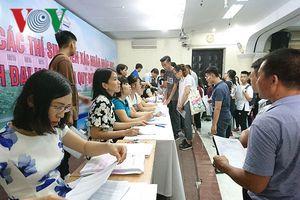 Các thí sinh trúng tuyển Đại học đợt 1 bắt đầu làm thủ tục nhập học