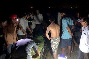 3 học sinh bị sóng cuốn ra biển, 2 nạn nhân thiệt mạng